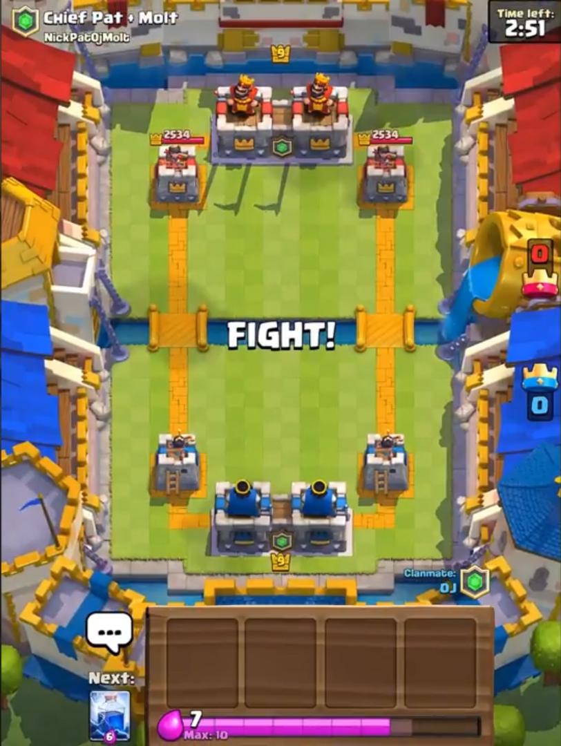 Режим кланового боя в Clash Royale