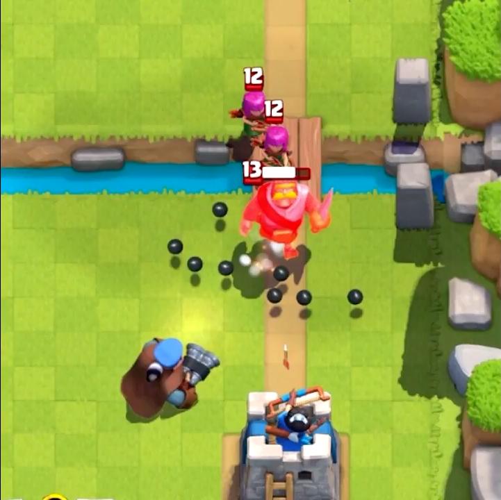 Охотник атакует в Clash Royale